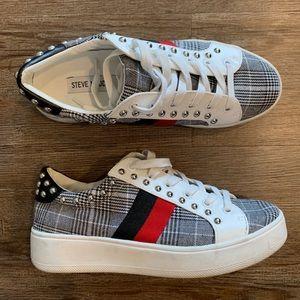 Steve Madden studded Sneaker